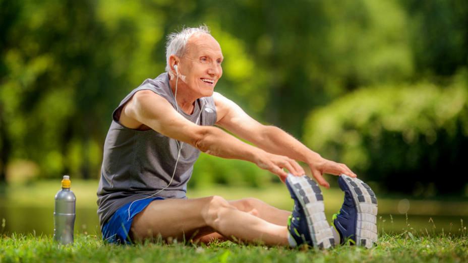 Cuidados del adulto mayor haciendo ejercicio . Dr. Mauricio Arouesty